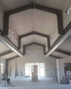 Raisin installed 40' vaulted, skylit ceilings in the Main Barn House to match the airy, spaciousness of the farm land.