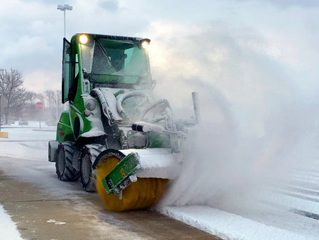5 Tips for Hiring the Right Snow Removal Company in Northeast Ohio for Your Business