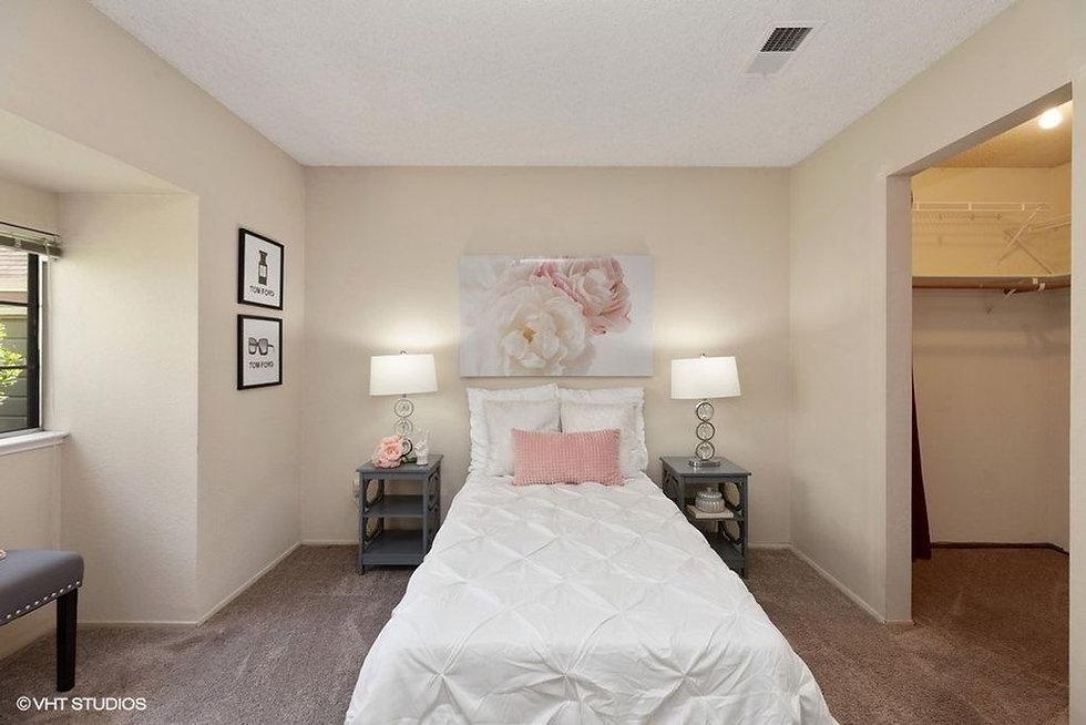 bedroom 1 b.jpg