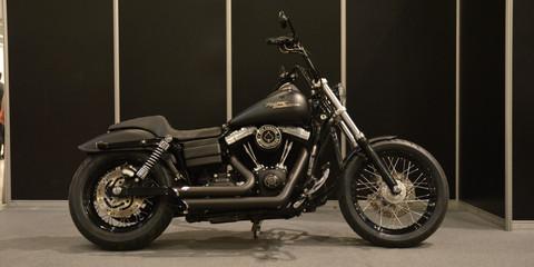 Harley Davidson Custom Street Bob DYNA 1