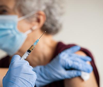 Les assureurs crachent le morceau : le vaccin antiCovid est expérimental