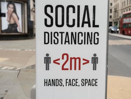 La BBC continue d'insister pour que les employés portent des « étiquettes de distanciation sociale »