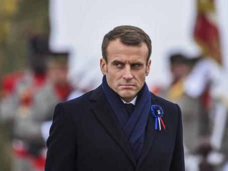 """Emmanuel Macron visé par une plainte déposée à la Cour Pénale Internationale pour """"crimes de guerre"""""""
