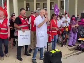 Les manifestants prennent la parole