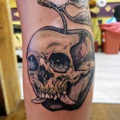 skull apple.jpg