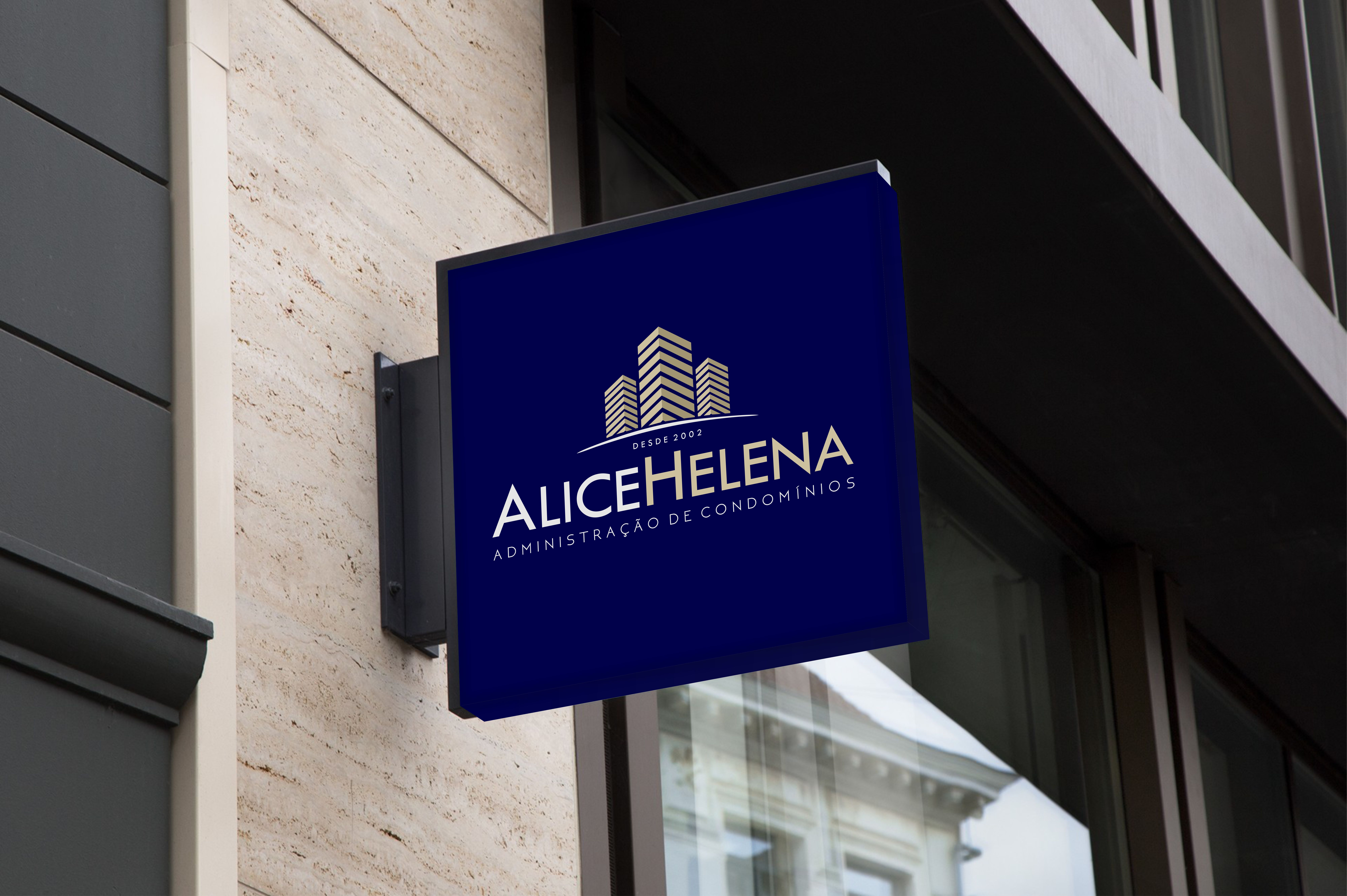 AliceHelena