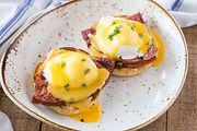 Eggs-Benedict-3.jpg