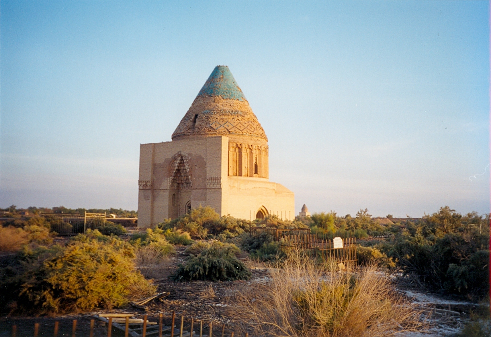 Turkmenistan_Sultan Tekesh Mausoleum, Konye-Urgench
