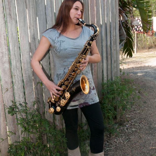 Sarah sax 02.jpg