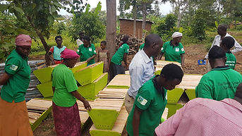 Suunu village beekeeprs receive 40 hives