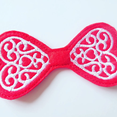 Heart Celtic bow tail