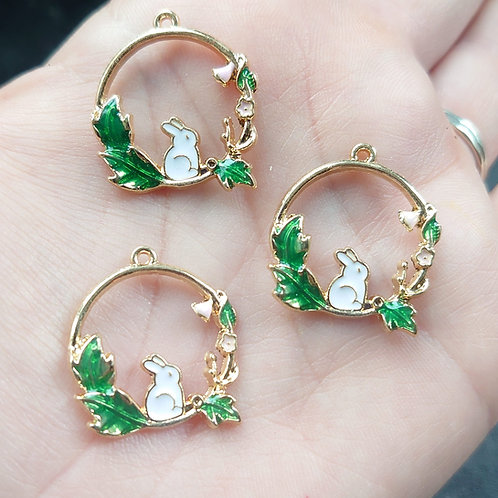 Rabbit leaf charm