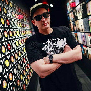 DJ AUTOMATIC