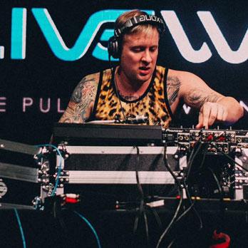 DJ SLIPPE