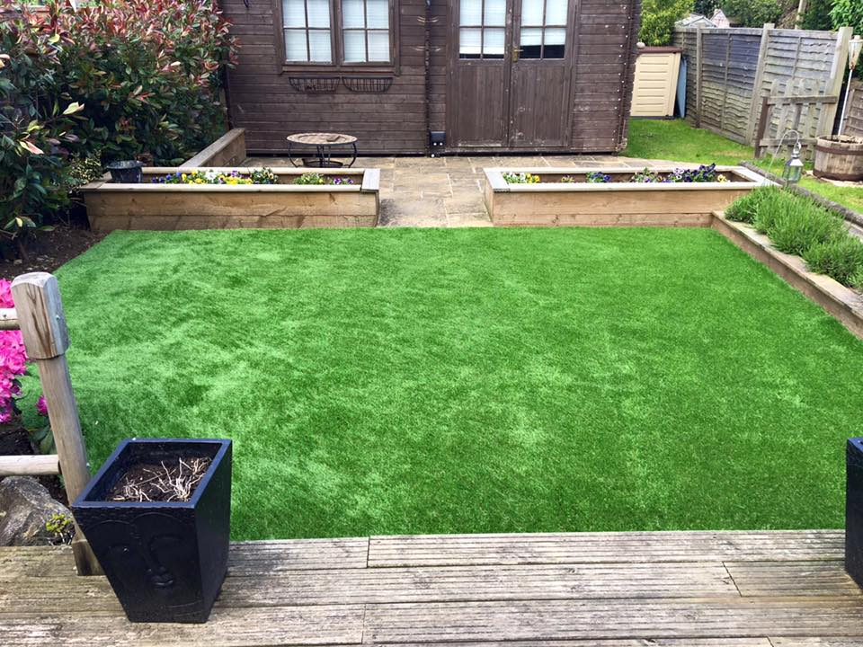 Artificial Lawn, Watford