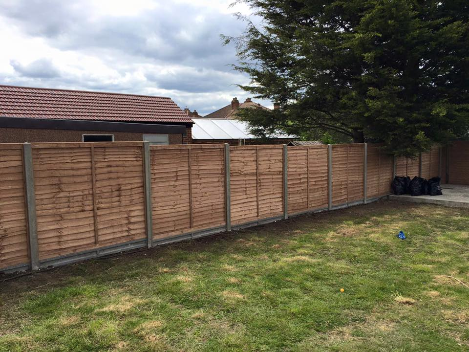 6ft Fence, Watford
