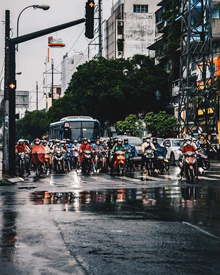 Life is a waiting game 🛵🇻🇳.jpg