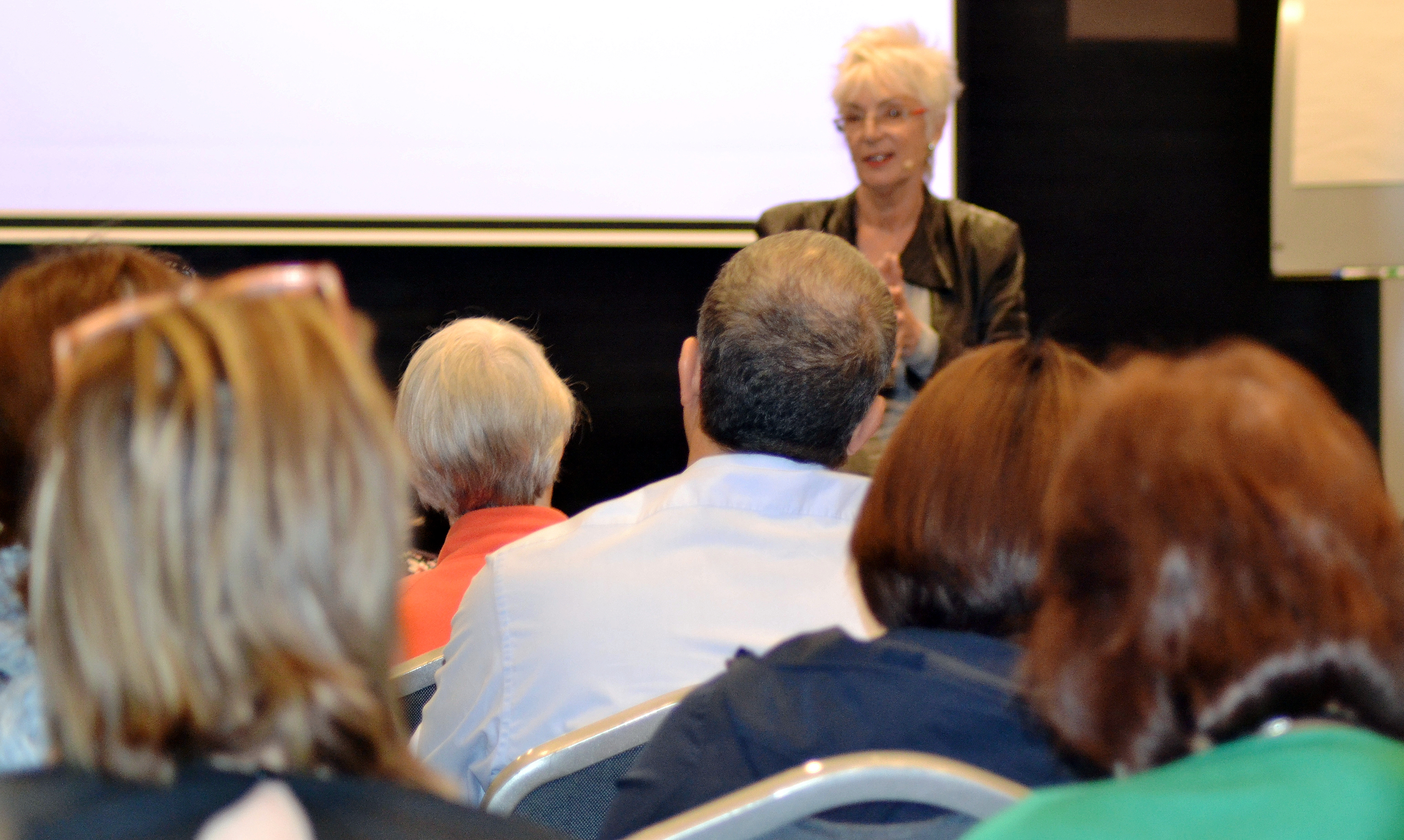 Sue Knight Presenting
