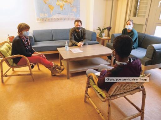 """""""Jeunes migrants cherchent perspectives""""  Echo Magazine April 21"""