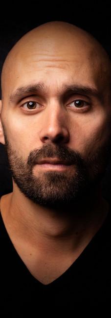 05 - Headshot man actor black background