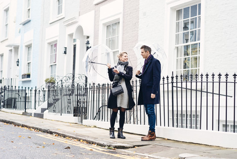 couple photo in Nothing hill