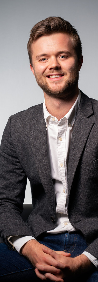 14 -Headshot corporate man white backgro