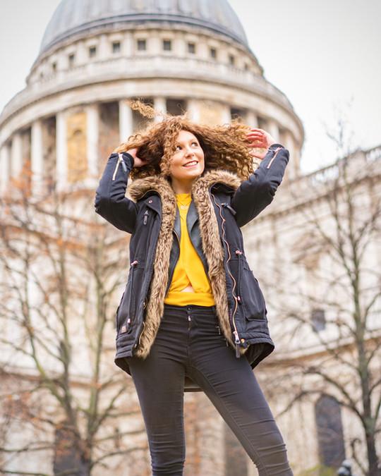 Photoshot of tourist visiting London