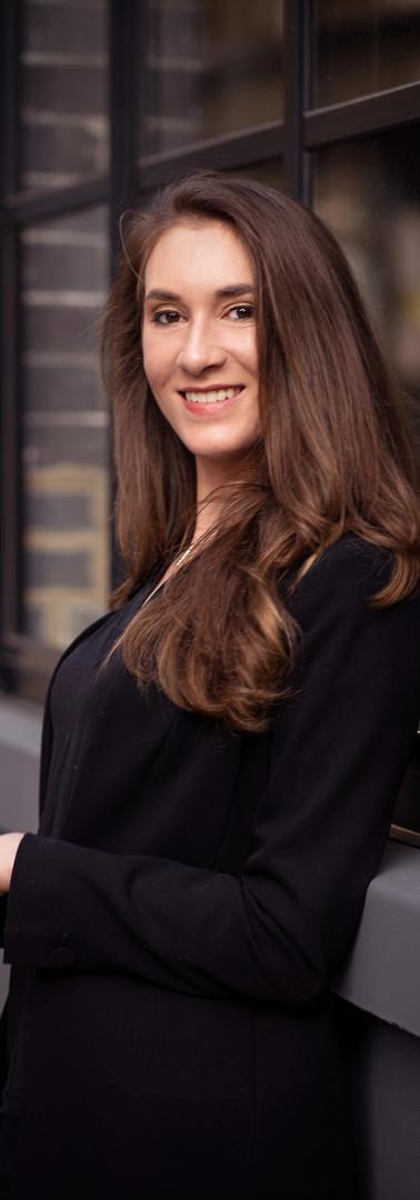 02 -Headshot corporate woman street.jpg