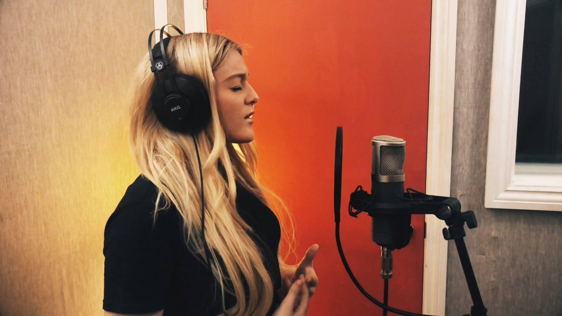 Aimee Broom [Studio Recording Day]
