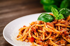 Pasta with meat, tomato sauce and vegeta