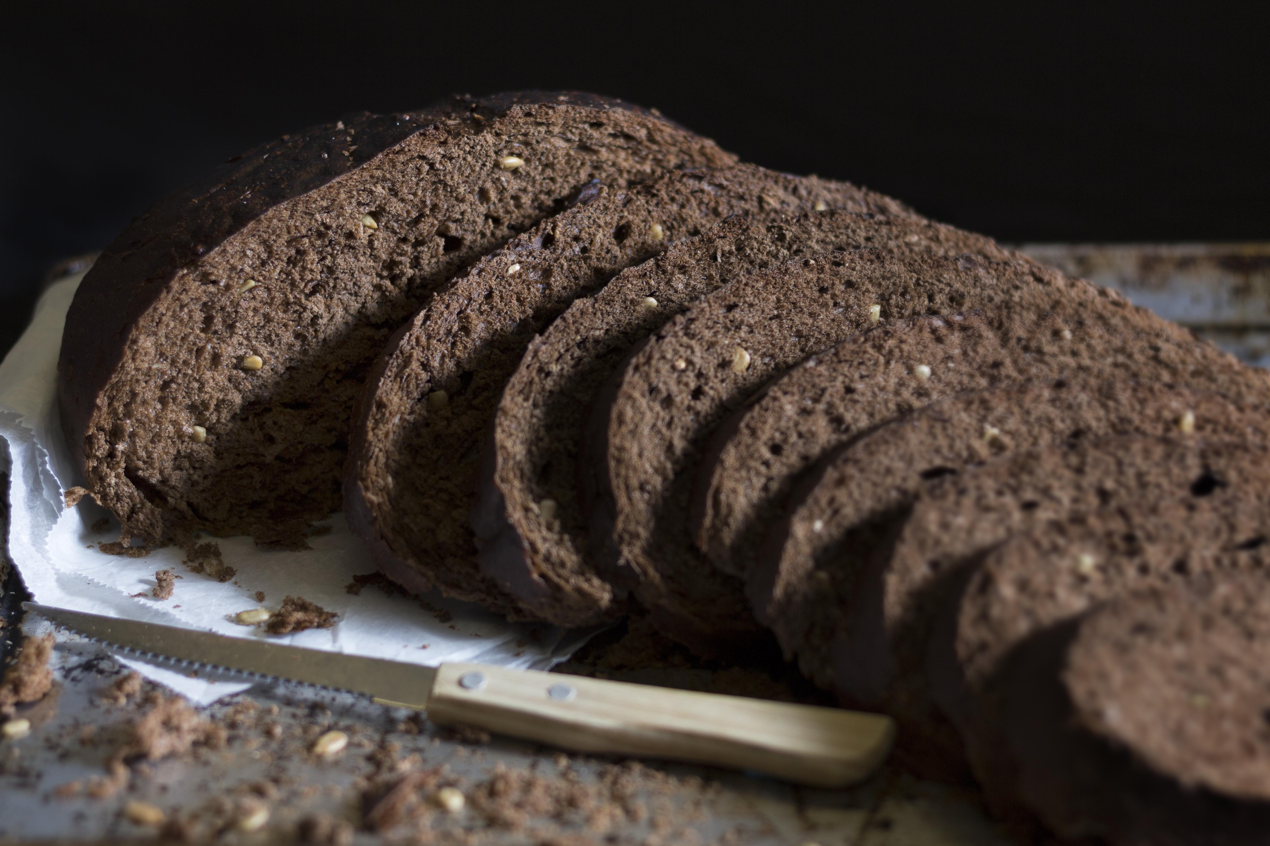 Pumpernickel Grain Bread Slices