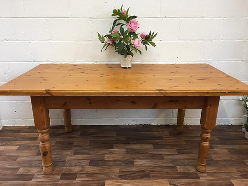 LOVELY LARGE FARMHOUSE SOLID PINE DINING TABLE - SEATS UP TO 8
