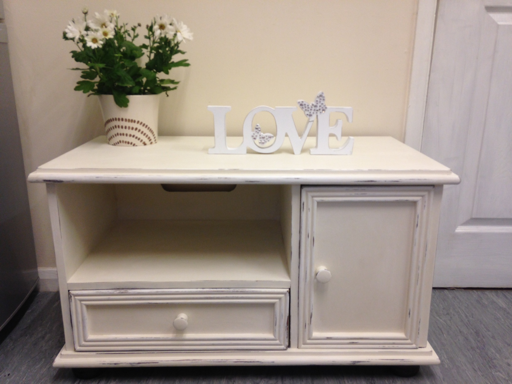 Loughborough shabby chic furniture