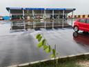 बारिश में दरभंगा एयरपोर्ट आने-जाने वाले यात्रियों का बुरा हाल।