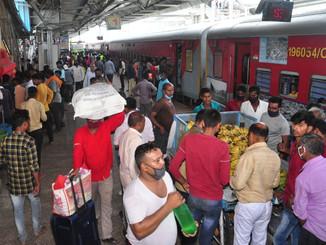 मधुबनी में दिल्ली-मुंबई से आने वाली ट्रेनों में मिले 45 कोरोना संक्रमित यात्री, तीसरी लहर की आशंका।