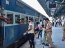 नई दिल्ली से दरभंगा के लिए स्पेशल आज रात से  ट्रेन का परिचालन।