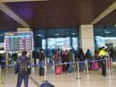 दरभंगा एयरपोर्ट के प्रवेश द्वार पर शेड निर्माण का कार्य धीमी गति से।