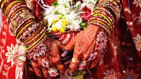 शादी के चंद घंटे बाद दुल्हन की मौत, पति ने भरे मन से दी मुखाग्नि।