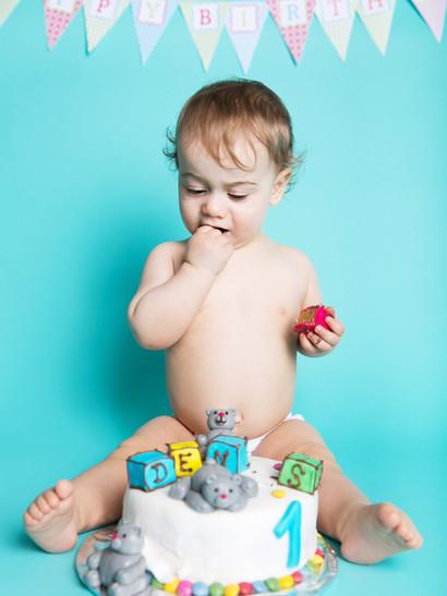 1. narozeniny - cake smash :-)