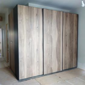 Wardrobe with 3 Sliding Doors