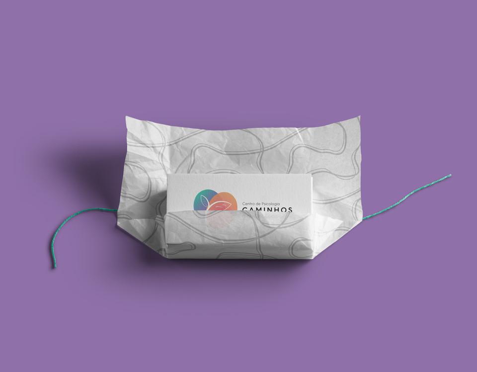 cartão de visitas com papel seda personalizado