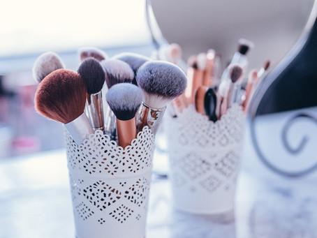 Desinfectante para brochas de maquillaje
