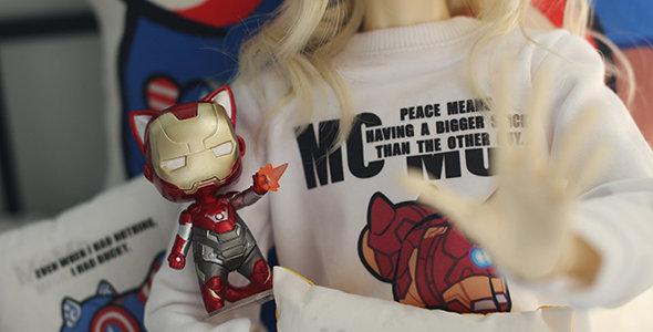 Avenger Cat Sweatshirt Set by MOMO