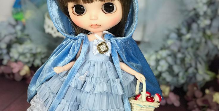 Kitty Cloak & Dress by F.S.P