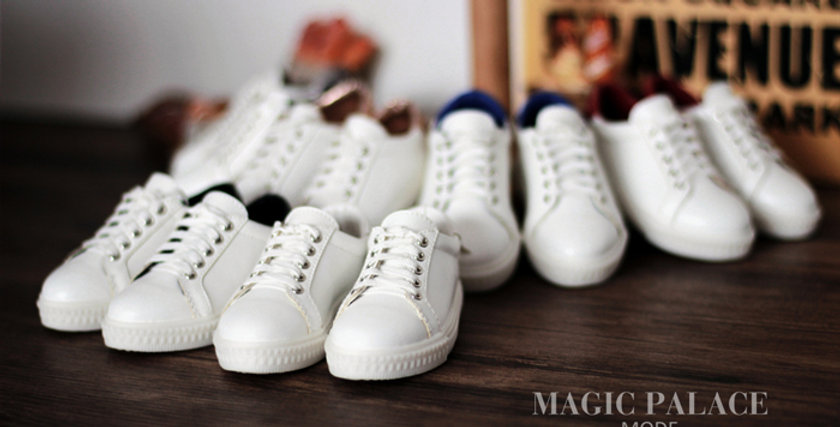 Little White Shoes by MOMO