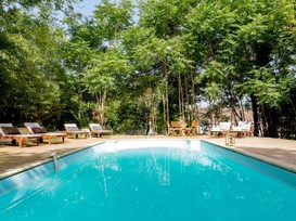 logis-au-jardin-des-saveurs-piscine-cord