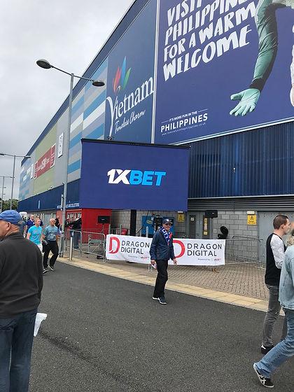Dragon Signs Cardiff City FC 2[1].jpg