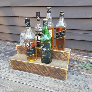 Деревянные полки для бутылок