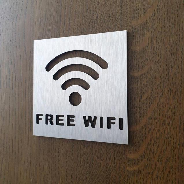 Табличка Свободный Wi-Fi из аллюминия