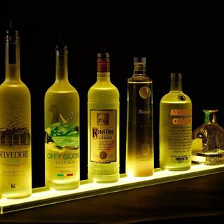 Стенды для спиртного с подствекой